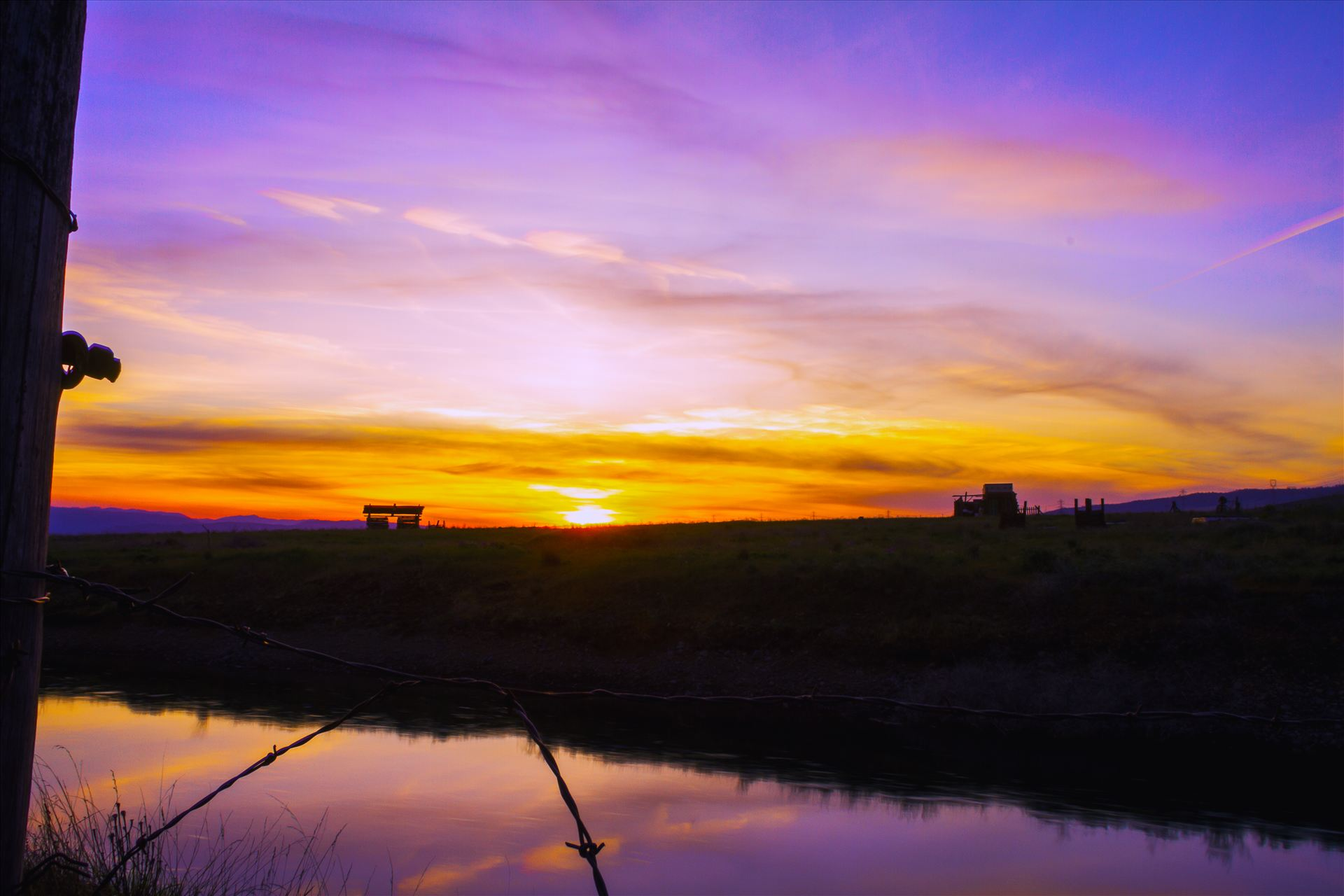 Reflecting at Sunset - Sunset in Central Washington. by Bear Conceptions Photography